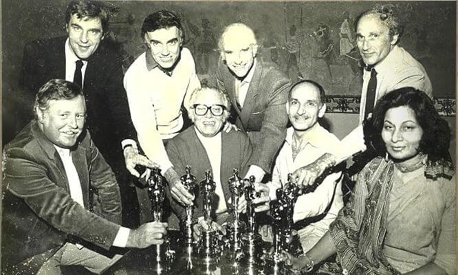 Bhanu Athaiya Oscar Gandhi, Bhanu Athaiya costume designer