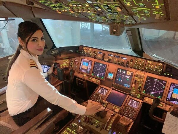 Air India SFO BLR flight, Air India women pilots, AI captain Zoya Agarwal, Air India's longest flight north pole