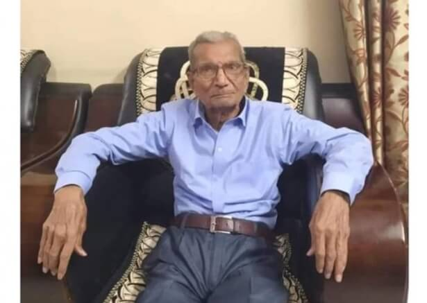 India's COVID Heroes: This 85-year-old Left his Hospital Bed for a Younger Man Gasping for Breath